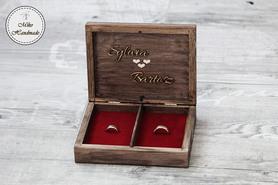 Pudełko na obrączki -brązowe z imionami (czerwone wypełnienie)