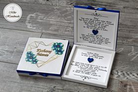 Prośba o Błogosławieństwo - geometryczne serce z niebieskimi kwiatami