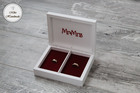 Pudełko na obrączki -białe z napisami (czerwone wypełnienie) (3)