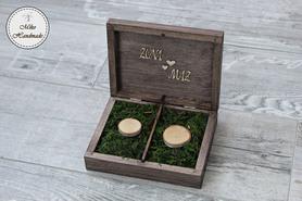 Pudełko na obrączki - brązowe z napisami (mech)