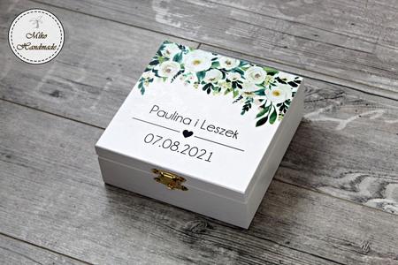 Pudełko na prezent ślubny - białe kwiaty (1)