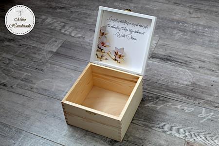 Pudełko z imieniem - beżowe kwiaty (2)