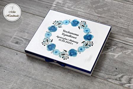 Pudełko na czekoladki Merci - podziękowanie ślubne - niebieskie kwiaty (1)